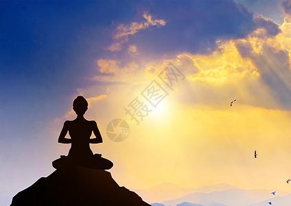 夜空下的瑜伽图片