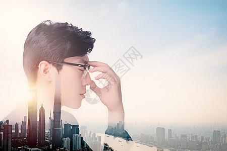人和现代大都市的叠加图片