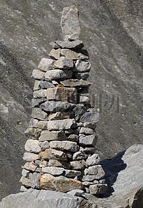 堆砌的石头图片