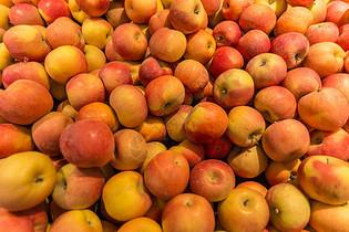 超市水果摊位展示图片