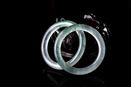 精美的翡翠手镯图片