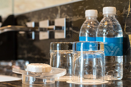 豪华酒店洗漱台环境图片