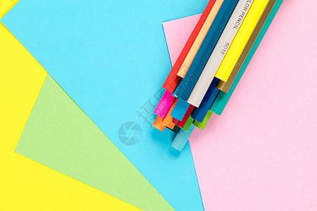 彩色铅笔撞色拍摄图片