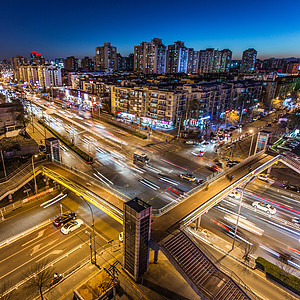 开往北京的火车图片