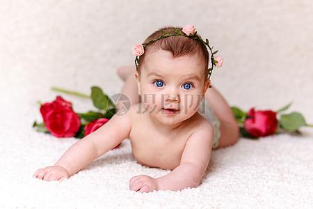 在微笑的小宝贝图片