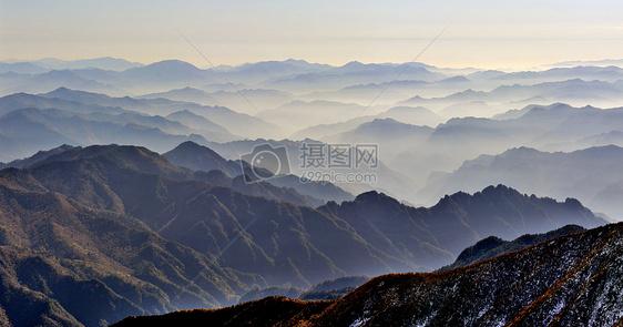 秦岭太白山崇山叠嶂图片