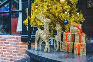 商场欢乐的圣诞节图片