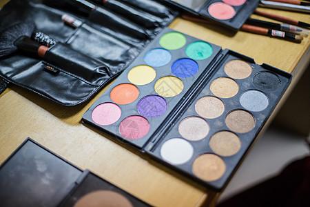 化妆师化妆工具眼影盘粉刷图片
