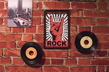 复古红墙装饰图片