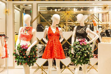 商场圣诞女装橱窗装扮图片