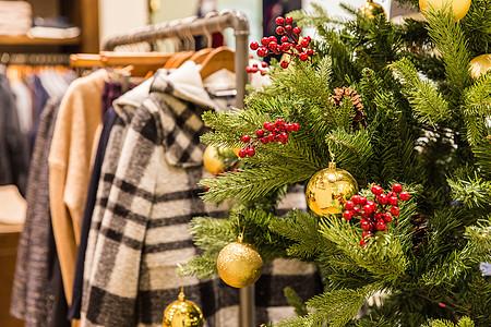 商场圣诞女装温暖装扮图片