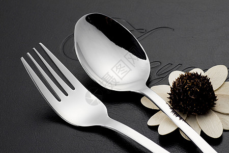 西餐刀叉图片