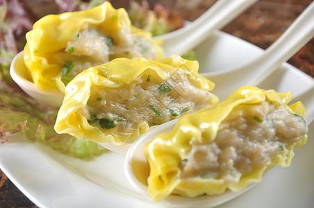 三鲜肉饺图片