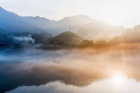 日出东江湖图片
