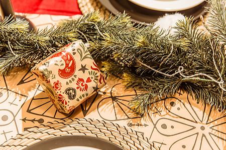 圣诞餐厅桌面温馨礼物图片
