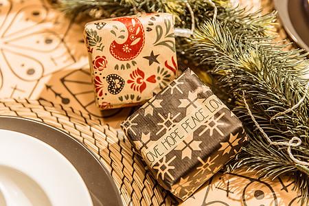 餐厅桌面温馨圣诞礼物图片