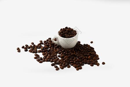 咖啡杯和咖啡豆图片
