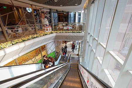 运行中的商场电梯图片