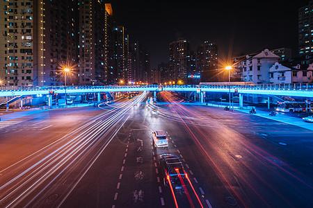 城市夜景慢门车流图片