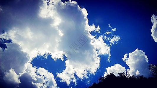 心形的云图片