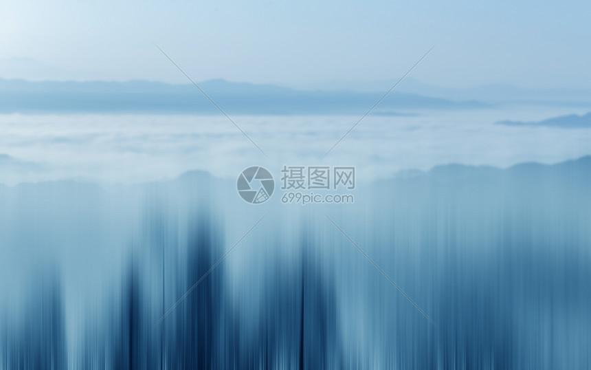水墨画般的山林图片