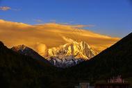 亚拉雪山图片