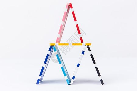 团队合作彩色筹码创意摆拍图片