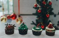 圣诞主题cupcake胶片风格美食摄影图片