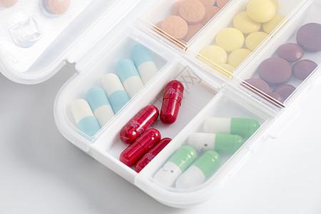 药品分装盒图片