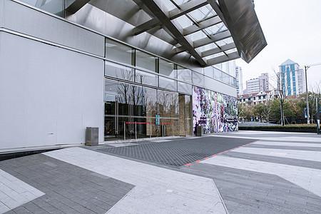 商场建筑橱窗外立面图片