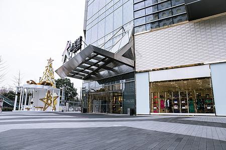 商场时尚圣诞装饰亮丽橱窗图片