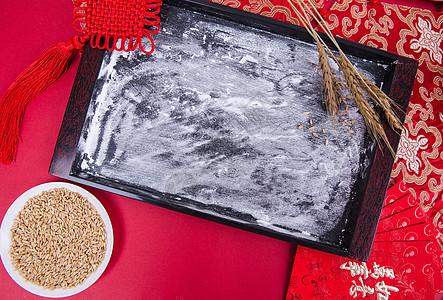 新春冬至节日制作饺子前的准备图片