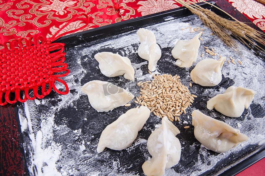 新春新年冬至包饺子团团圆圆图片