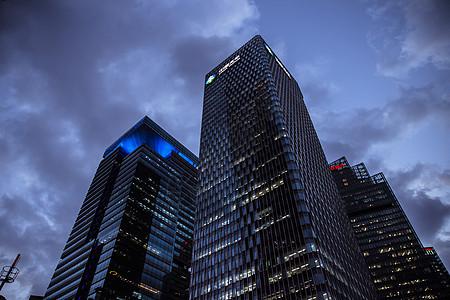 神秘天空夜晚城市建筑图片