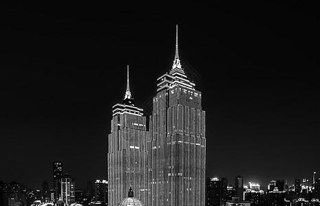 车水马龙的城市夜景图片