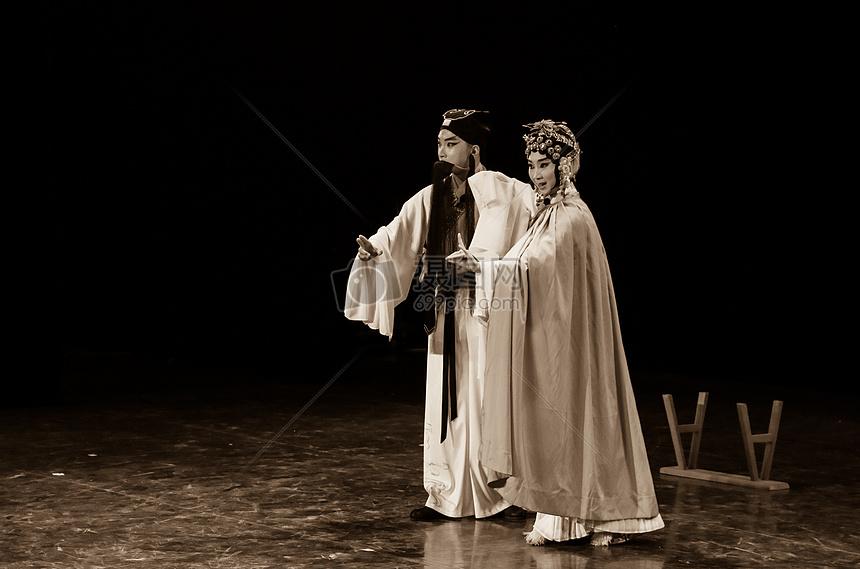 舞台上的京剧人物图片
