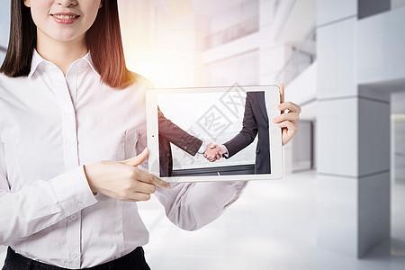 平板电脑里面的商务人像图片