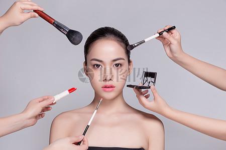 商业精修盘发美女化妆展示图片