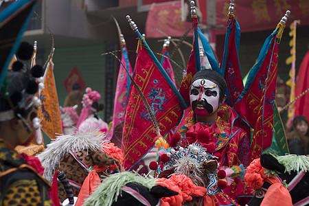 节日古庙会活动开始前的准备图片