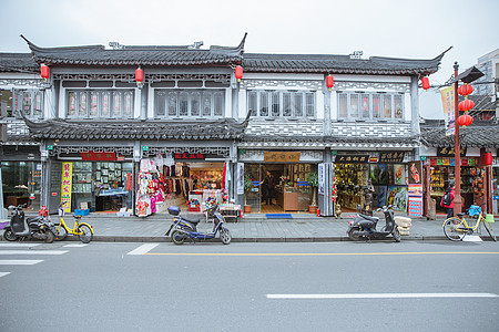 上海老街春节张灯结彩图片
