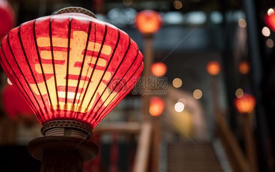 中国农历春节意象春字灯笼喜庆图片