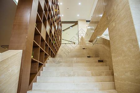图书馆大气书柜楼梯图片