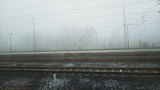 小雪中的铁轨图片