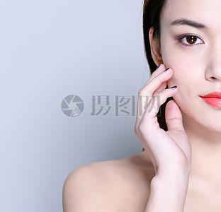 化妆美容性感美女半脸妆面图片