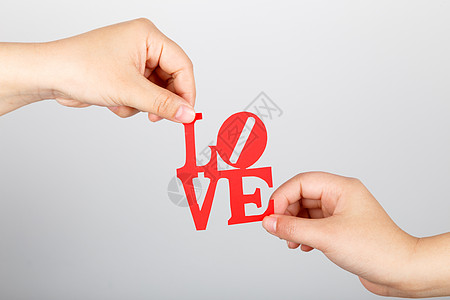情侣手拿LOVE图片