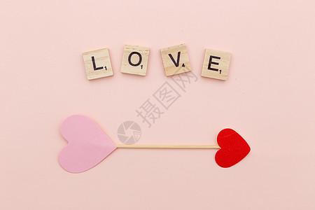 平铺的love字母图片