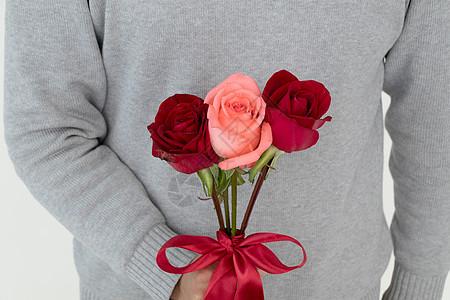 情人节送一束玫瑰花图片