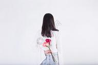 女生和玫瑰花图片