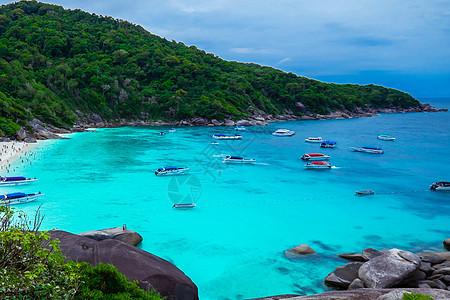 泰国普吉斯米兰岛碧海蓝天白沙滩图片