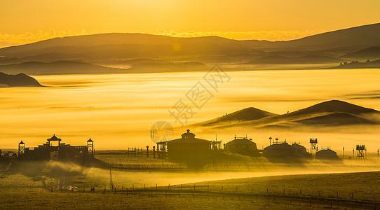 朝阳下的蒙古包图片